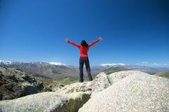 Свободная женщина на верхней части Стоковая Фотография RF