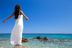 Свободная счастливая женщина Стоковые Изображения RF