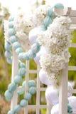 Свод свадьбы белых цветков Стоковая Фотография
