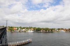 Свойство & яхта портового района в южной Флориде стоковое изображение