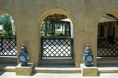 3 свода с лихтерами в роскошной гостинице аравийской пустыни Стоковое Изображение