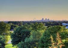 Свод ворот и горизонт Сент-Луис, Миссури стоковое фото