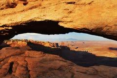 Свод на заходе солнца, национальный парк мезы Canyonlands, Юта Стоковое Фото