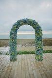 Свод свадьбы на пляже стоковые изображения