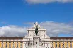 Свод Rua Augusta и статуя короля Хосе Я в Лиссабоне Стоковая Фотография RF