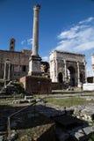Свод Septimius Severus столбца Phocas Стоковые Изображения RF
