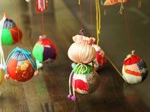 Связанные проволокой куклы на день девушек Стоковое Изображение