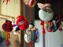 Связанные проволокой куклы на день девушек Стоковое фото RF