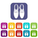 Связанные шнурки на установленных значках шутки ботинок иллюстрация вектора