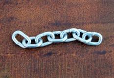 7 связей цепи нержавеющей стали стоковая фотография rf