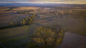 Связки сена в сценарной оправе, Квинсленде, Австралии Стоковые Фотографии RF