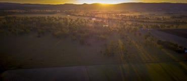 Связки сена в сценарной оправе, Квинсленде, Австралии Стоковое Изображение