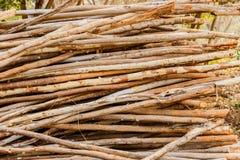 связывая конструкция много использовала древесину Оно использовано в конструкции стоковые фотографии rf