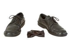 связь ботинка человека s смычка Стоковая Фотография