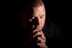святейший светлый человек моля Стоковые Изображения RF