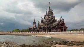 Святилище правды - деревянный висок в Паттайя, Таиланде акции видеоматериалы