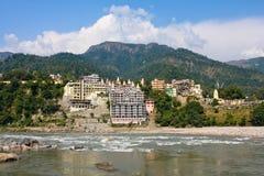 Святой Ганг в Rishikesh, Индии Стоковое Изображение RF