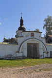 Святой монастырь Goritsky Voskresensky строба в зоне Vologda Стоковые Изображения RF