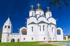 Святой монастырь Pokrovsky в Suzdal, золотом кольце России стоковые фотографии rf