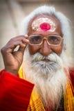 Святой человек Sadhu на Dashashwamedh Ghat основа и вероятно самое старое ghat Варанаси размещало на Ганге стоковая фотография