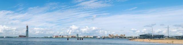 святой petersburg РОССИЯ - 25-ОЕ ИЮНЯ 2017 Панорамный залив Finla Стоковые Изображения