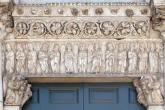 Святые и ангелы, церковь Санты Reparata в Лукке, Италии стоковые фотографии rf