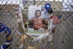 Святыня к умершим на месте взрыва Альфреда p Здание Murrah федеральное, Оклахомаа-Сити, CA стоковые изображения rf