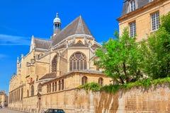 Свят-Etienne-du-Mont церковь в Париже, Франции, расположенной на t Стоковые Изображения RF