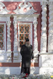 Священник в аббатстве sergei sam, Российская Федерация Стоковые Изображения