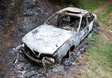 сгорели автомобиль вне Стоковые Фотографии RF