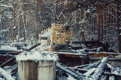 сгорели дом деревянная стоковое фото rf