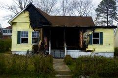 сгорели дом Стоковое Фото