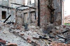 Сгорели здание стоковые фото
