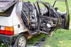 Сгорели, который разбили автомобиль стоковое фото