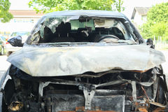 сгорели автомобиль вне Стоковые Изображения RF