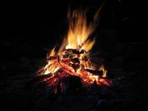 сгорели рестораны ночи одного дома пола пожара вне 3 2 Стоковые Изображения