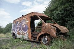 Сгорите вне фургон в Бирмингеме стоковые фотографии rf