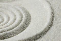 Сгребенные картина и текстура предпосылки песка Стоковое Фото