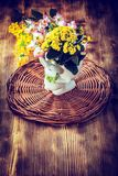 сделайте цветки ее сообщение влюбленности много бак ow вы Стоковые Изображения RF