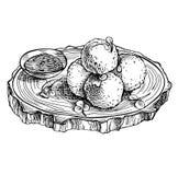Сделайте эскиз к зажаренным шарикам сыра моццареллы на деревянной доске Сыр нарисованный рукой Стоковые Изображения RF