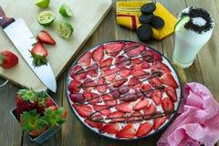 Сделанное домом мороженое Oreo клубники испечь Стоковая Фотография RF