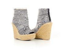 Сделанные по образцу зеброй ботинки лодыжки Стоковое Фото