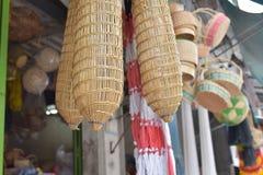 Сделанный магазин корзин Много вид корзины которое сделано бамбука wicker корзины handmade тайский Оно Стоковая Фотография