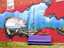 Сдерживая настенная роспись улицы рыб стоковая фотография