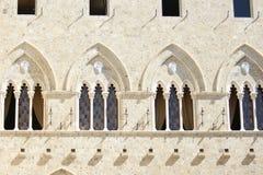 сдобренные окна cиенны Италии Стоковые Фото