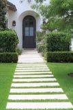 сдобренный landscaping входа Стоковые Изображения