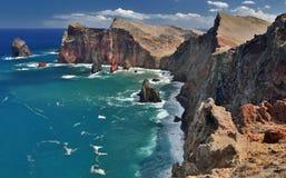 Северная береговая линия Ponta de Sao Lourenco на Мадейре, Португалии стоковые фотографии rf