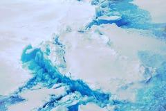 Северная зима предпосылки айсберга яркая Стоковая Фотография