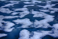 Северная зима предпосылки айсберга яркая Стоковые Изображения RF