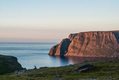 Северная накидка, известная туристическая достопримечательность, Finnmark, Норвегия стоковые изображения rf